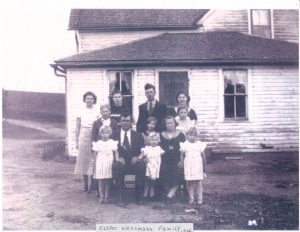 8-19-colleen's-mother's-family-during-depression